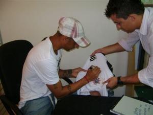 Tarde de autógrafos de Acosta realizada em 2009